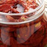 Pomodori secchi sott'olio? Ecco la ricetta Pugliese