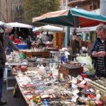 Collezionisti: cosa comprano e dove vanno a trovare gli oggetti da collezione usati?