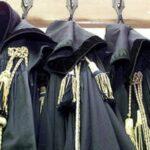 La toga nera degli avvocati: il senso di un simbolo