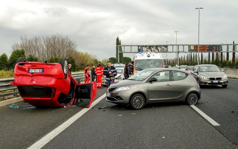 car-accident-2165210_1920-1_800x500